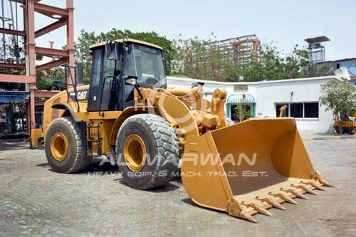 New arrival of Wheel Loaders, Crawler Excavators and Dump Trucks to AlMarwan Equipment Yard.